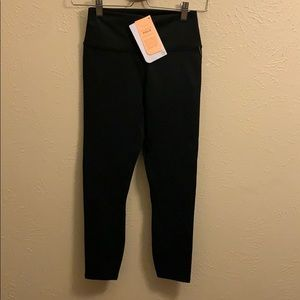 Fabletics high  waisted solid power hold Capri